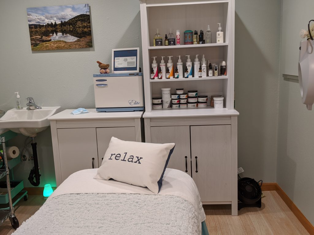 Facial room with Relax pillow